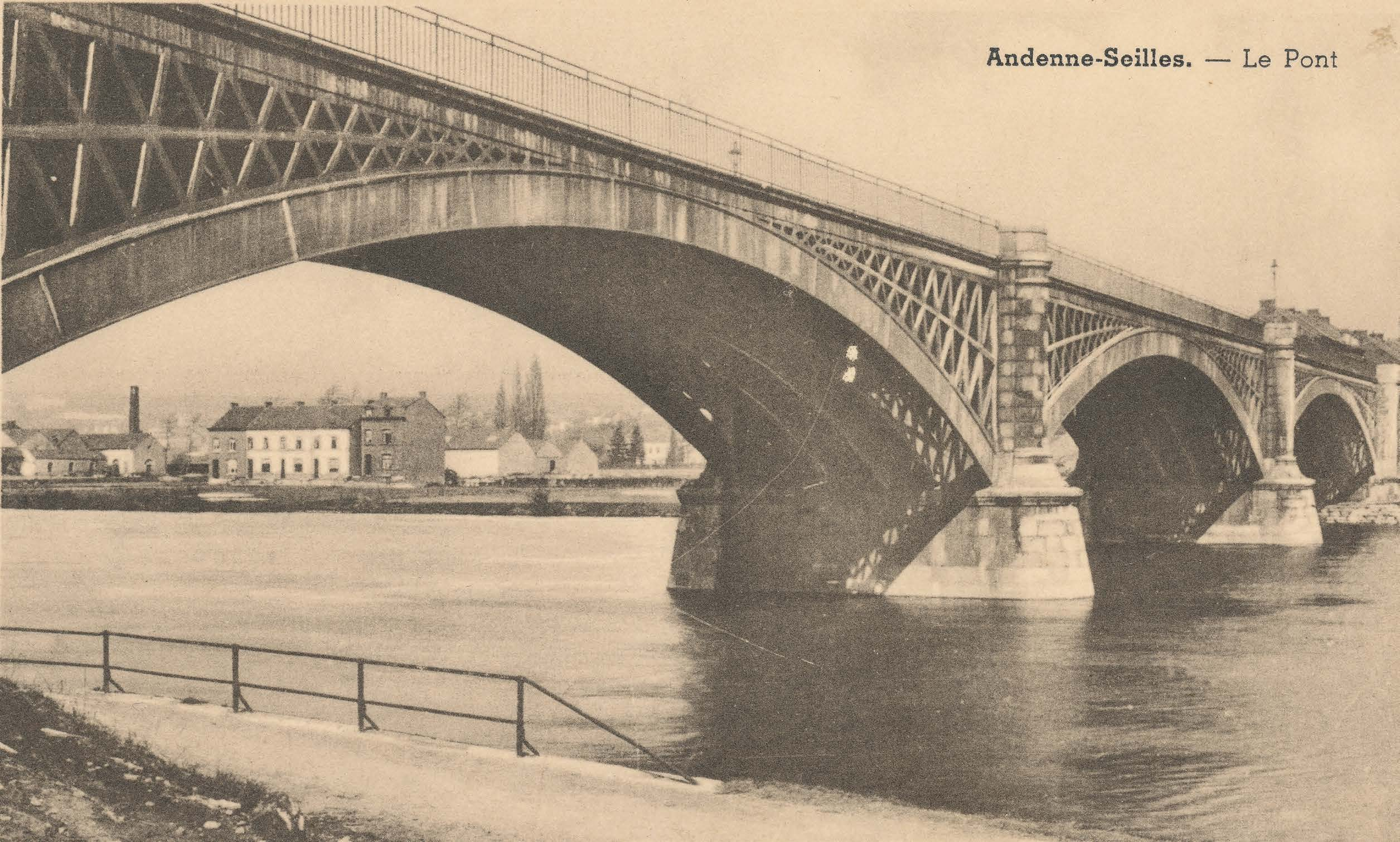 Carte postale du pont d'Andenne (Biblioteca-Andana, coll. Telly De Vielder).